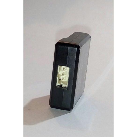 GT03 GPS nyomkövető töltő adapter Be_USB5V  Ki_Li-ion 3.7-4.2V